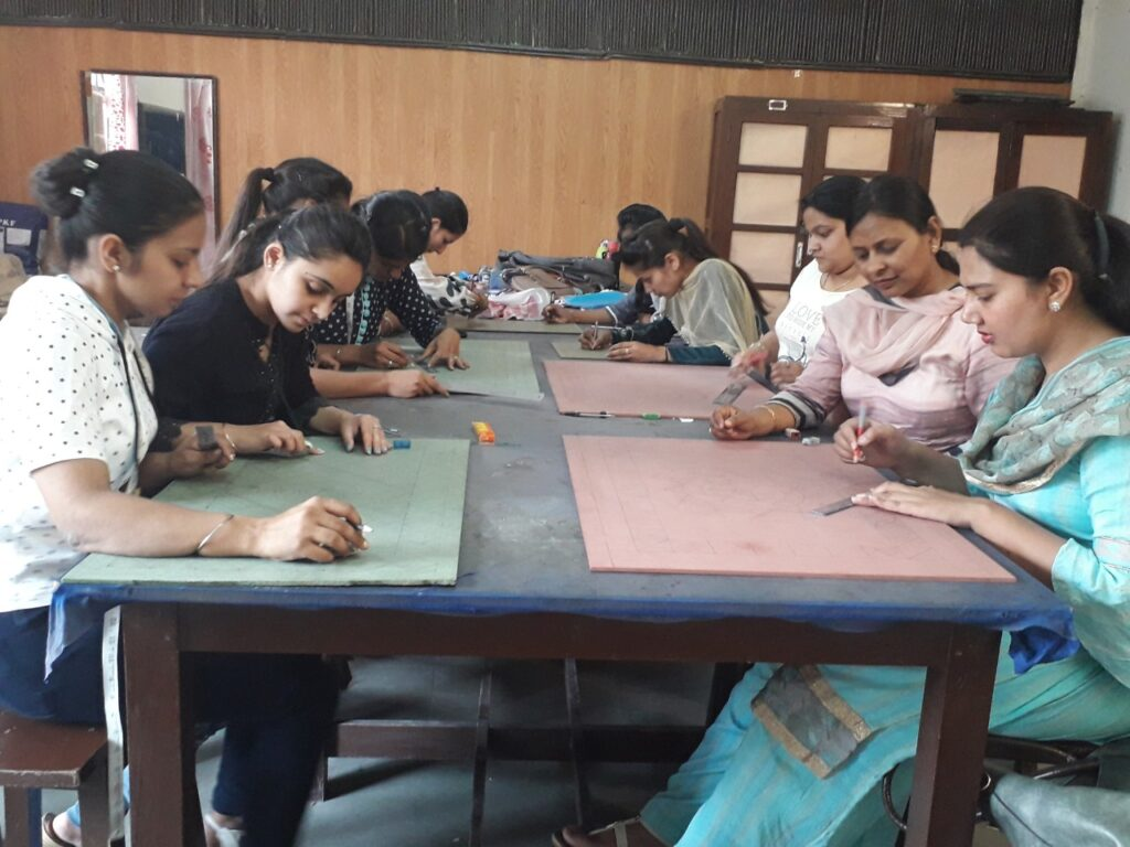 FD Lippan Kaam Workshop 2016